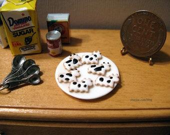 Half dozen gourmet Moo Cow cookies - dollhouse miniature