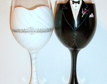 Bride and Groom Wedding Dress and Tuxedo Hand Painted Wine Glasses Set of 2 / 20 oz Hand Painted Wine Glasses Custom Made To Order