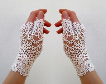Weddings Lace  fingerless gloves. Hand Jewelry Off White Retro Crochet mittens, Victorian fingerless gloves, Arm wrist warmers