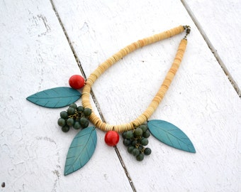 1980s Berries and Leaves Necklace
