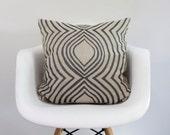 aya contour 20x20 pillow cover hand printed in gunmetal on ecru organic hemp