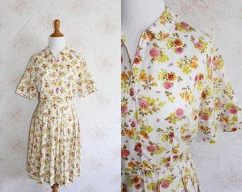 Vintage 60s Floral Dress, 1960s Peter Pan Collar Dress, Shirtdress, Flower Print, White, Liberty Print