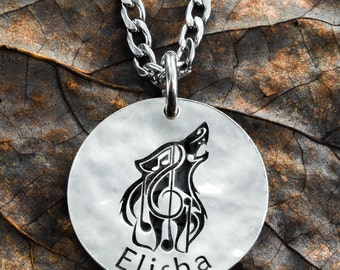 Silver Wolf Music Note Necklace with your custom name engraved, Hammered Silver Disk, 19 mm