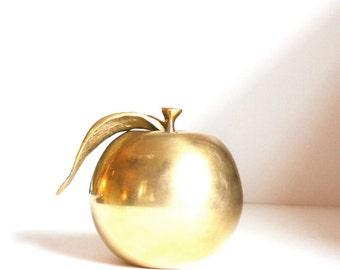 Vintage Brass Apple Brass Fruit Apple Paperweight Solid Brass Apple Brass manzana Brass Apfel Brass Pomme Teachers Gift
