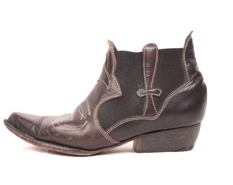 western ankle boots // elastic inserts // sz 5