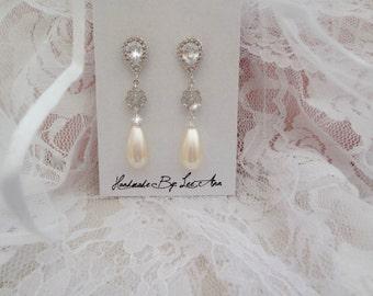 Pearl earrings, Pearl wedding earrings, Pearl drop earrings,Cubic Zirconias, Sterling posts,Swarovski pearl earrings,Brides earrings, BETH