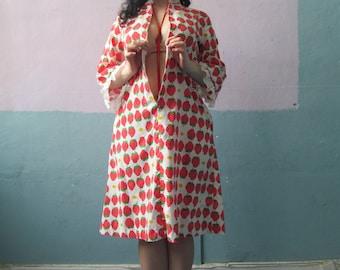 Vtg Strawberry & Daisy Print House Dress / Glam Lounge / Frills