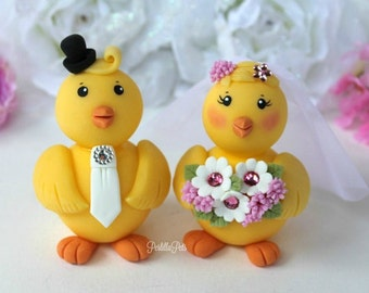 Chick wedding cake topper, love bird chicken bride and groom customizable, with personalized banner