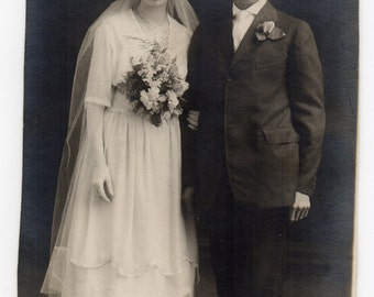 Antique Wedding Photograph Victorian Bride And Groom Bridal Memorabilia Paper Ephemera Vintage Fashion Photo