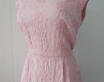 50's Bombshell Dress Pink Cotton Floral Embroidered Wiggle Shift Pale Pastel Princess L