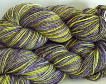 Worsted Weight 100% American Targhee Yarn, 250 yards, 100 grams, 3 ply, Kettle Dyed