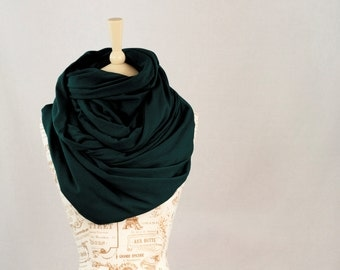 Large Infinity Scarf, Chunky Scarf, Green Cowl Hooded Oversized Scarf, Emerald Hunter Circle, Winter Jersey Nomad Shawl Scarf, Gift for Her