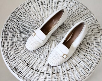 1960's white cut out loafers / 5.5