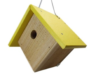 JCs Wildlife Cedar & Poly Wren/Chickadee/Warbler Birdhouse, Yellow Roof