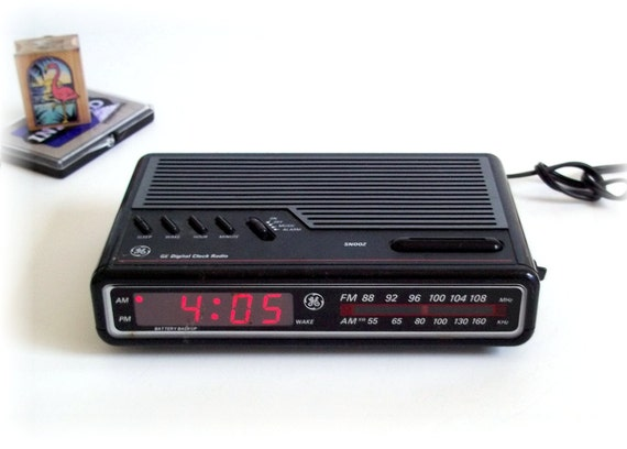 general electric ge am fm digital alarm clock by thewhitepelican. Black Bedroom Furniture Sets. Home Design Ideas