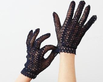 vintage 40s crochet gloves / 1940s navy blue lace gloves / dark eyelet gloves / short net gloves / wedding gloves / summer gloves