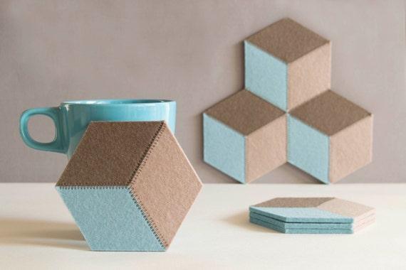 Set of felt coasters, pastel colors, geometric coasters, wool felt, handmade, gift idea, home decor, housewarming gift, made in Italy