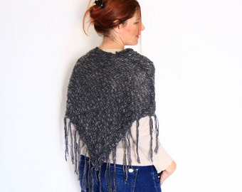 Fringe poncho, grey poncho, boho poncho, wrap poncho, sweater poncho, handknit poncho, poncho knitwear, winter fashion, ready to ship