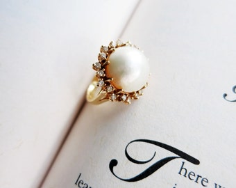 Big Vintage Mabe Pearl Ring with 20 Tiny Diamonds Halo Setting in 14K Gold in US Ring Size 6