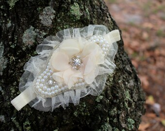 Flower Girl Headband, Blush Flower beaded Headband, Pearl Headpiece, Bridal Headpiece, Photo Prop headbands