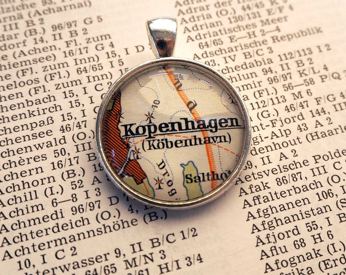 NECKLACE or KEYCHAIN, Denmark, KOPENHAGEN, Map-Pendant, Cabochon, Glass, Atlas, Vintage, Jewlery