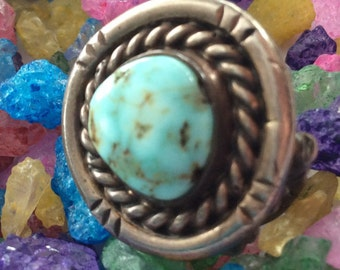 Vintage Handmade Native American Sterling Silver & Turquoise Ring  - Size 6 1/2