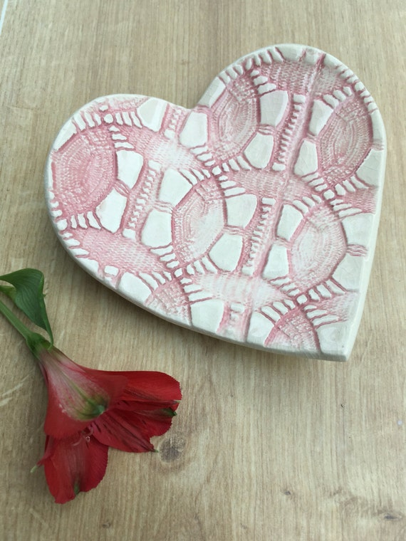 Ceramic textured heart di...