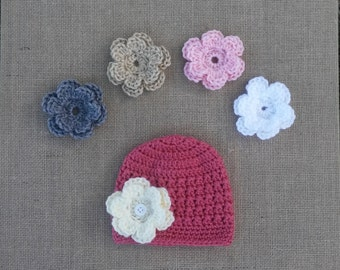Baby girl Hat, Girl crocheted Hat, Newborn Hat, Pink Flower Hat, Photo Prop, Crochet Hat, Hat with 4 changable Flowers, 4 Sizes