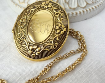 locket necklace gold vintage long chain picture photo pendant jewelry