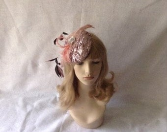 Blush pink fascinator hat, Wedding Fascinator, Feather Hat, Mini Hat, Church hat, tea party fascinator, derby hat for ladies