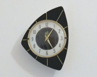 French 1950-60s Atomic Age JAPY Wall Clock - Funky Triangle Shape - Perfect Working Condition - Mid Century Decor Chic