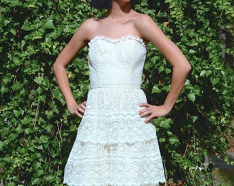 vintage 1970s cream lace strapless  dress