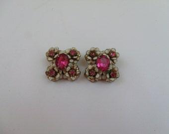Vintage 70s Pink Rhinestone & White Enamel Clip on Earrings.