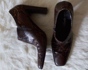 VIA SPIGA 90s booties / snake skin boot / 7.5 - 38 / square toe boots / high heel ankle boot / vampy boots / brown snake boots /