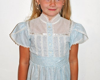 Vintage Girls Blue Floral Lace Ruffle Dainty Dress Size 7