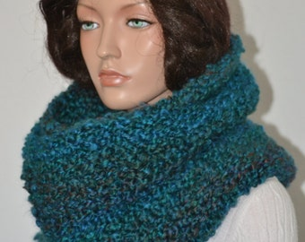 Snood Cowl/ Knitted Cowl/ handmade Snood Scarf
