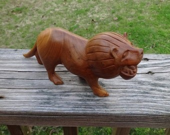 1980s or Earlier Vintage Carved Wood Lion, Solid Wood with Great Details, Vintage Animal Decoration for Home, 8.25 x 2 Inches, African Lion