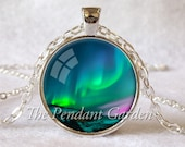 NORTHERN LIGHTS PENDANT Emerald Green Aurora Borealis Necklace Nature Lover Gift for Her Northern Lights Jewelry