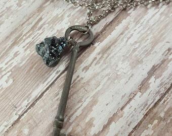 Metal Heart - Skeleton Key - Long Necklace - Key Necklace - Ornate Key - Brass Necklace - Boho Jewelry - Hippie Jewelry - Hipster Jewelry
