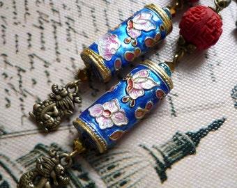 asian earring, cloisonne earring, dragon earring, boucle d'oreille émail,  blue and pink earring, boucles d'oreilles dragon, cloisonne ea