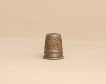 Vintage sewing thimble from 1930s