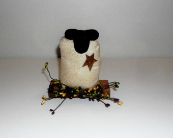 Primitive Cloth Sheep, Tea Stained Sheep, Primitive Sheep, Prim Multi Color Pip Berries, Sheep Shelf Sitter, Primitive Sheep Decor PD8058