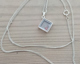 Vintage sterling silver pendant and chain