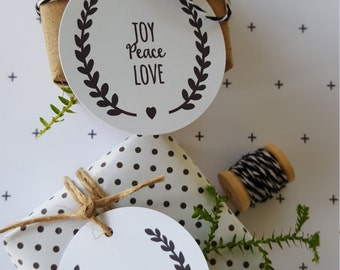 Laurel Wreath Christmas Gift Tags - Set of 12 | Joy Peace Love Tags