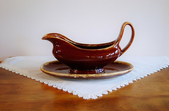 Hull Brown Drip Gravy Boat And Plate Hull Pottery Usa Mirror