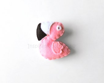 Felt flamingo brooch, cute flamingo mini plush, funny accessory for animal lovers, women and kids gift idea, back to school gift, plush pin
