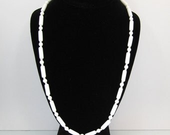 Vintage White Glass Necklace, Beads, Milk Glass