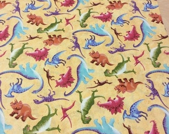 Patchwork Quilting Fabric Clothworks Dinosauria Allover Y0915-8