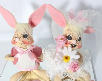 Rare Annalee 1992 Dolls Bride And Groom Bunny Rabbits Mint - USA Mirror Display Base Included