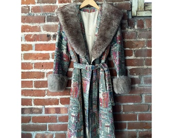 50% off sale! Vintage Tapestry Coat with Floral Vegan Fur Cuffs/Collar 50s Handmade Cape Jacket 60s Winter Size S M